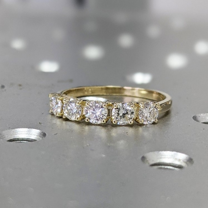 Promise Ring Anniversary Ring Diamond Band Birthday Gift Three Diamond Ring 14K Gold Diamond Ring Stackable Ring Wedding Band
