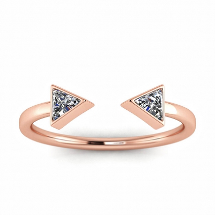 14k Rose Gold Arrow Trillion Cut Diamond Ring (1/5 CT. TW.)