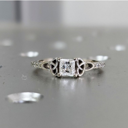 #1.5 #CT #Halo #Engagement #Ring #Round #Cut #14k #White #Gold #White #Gold #Diamond #Halo #Ring #Moissanite #Ring #Halo #Moissanite #Engagement #Ring